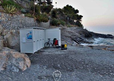 Weiter am Mittelmeer entlang, wo sich das Finden von Schlafmöglichkeiten eher schwierig gestaltet!